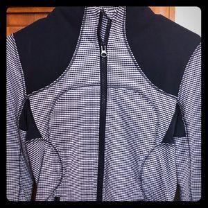 Lululemon zip up jacket size 4